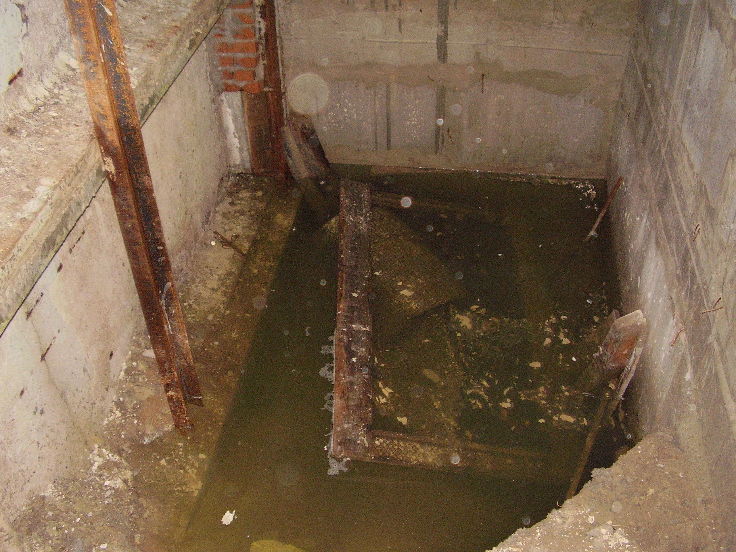 Фото: гидроизоляция стен подвала