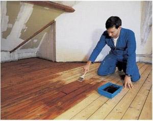 Фото: гидроизоляция деревянного пола в деревянном доме