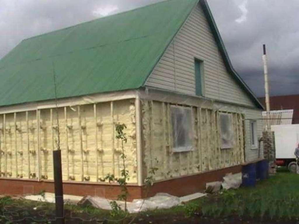 фото: утепление домов пенополиуританом